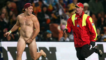 Three streakers at once during Chiefs vs Hurricanes game