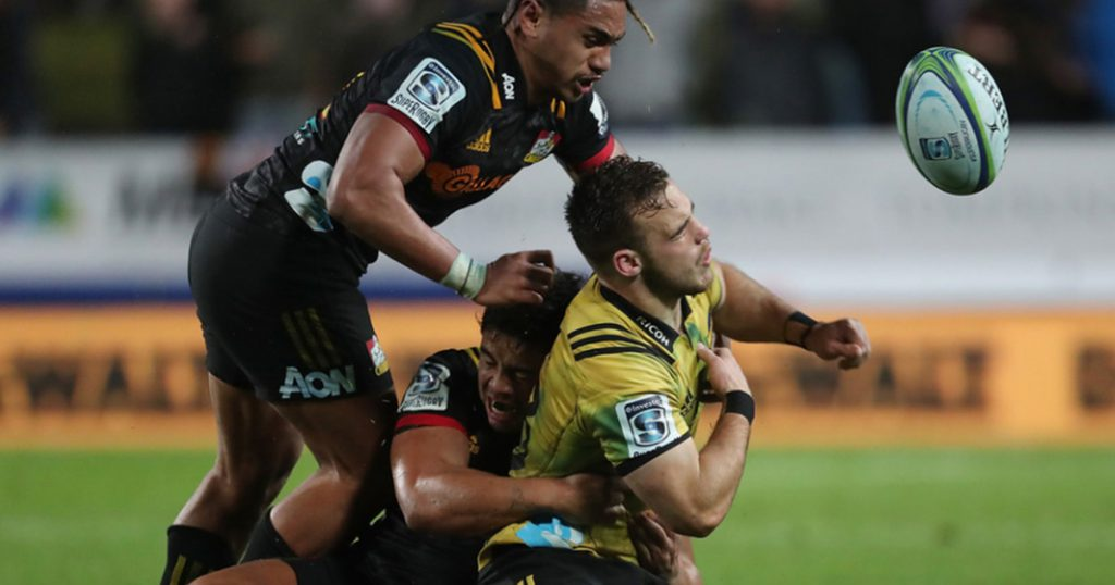 Brutal shoulder charge gets Johnny Fa'auli red card and hefty suspension