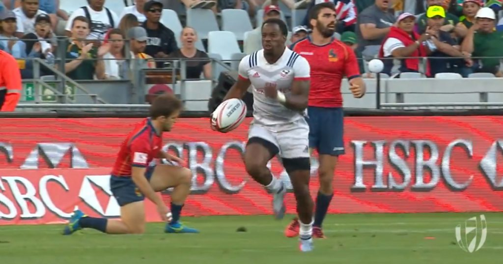 Carlin Isles inexplicably fails to score what would have been a great try