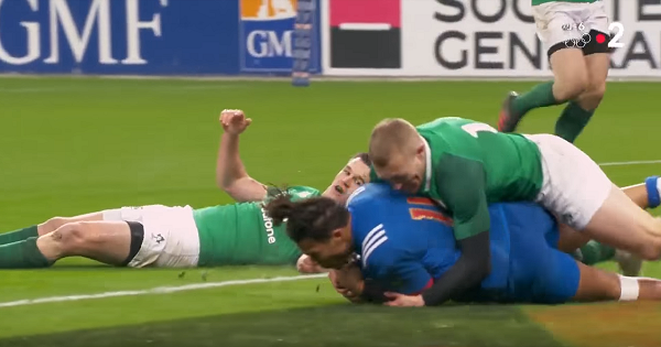 Teddy Thomas burns Irish defence with raw speed for memorable French try