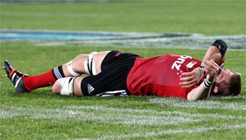 Richie McCaw knocked out cold after getting his head on the wrong side of a tackle