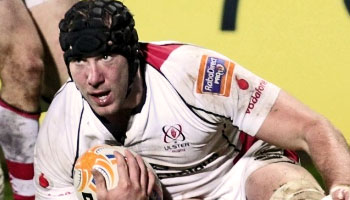 Stephen Ferris scores a powerful try against the Scarlets
