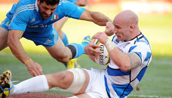 Scotland score late try to snatch victory from Italy in Pretoria