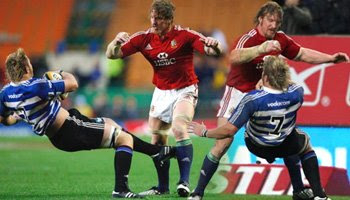 Andy Powell huge hit on Duane Vermeulen