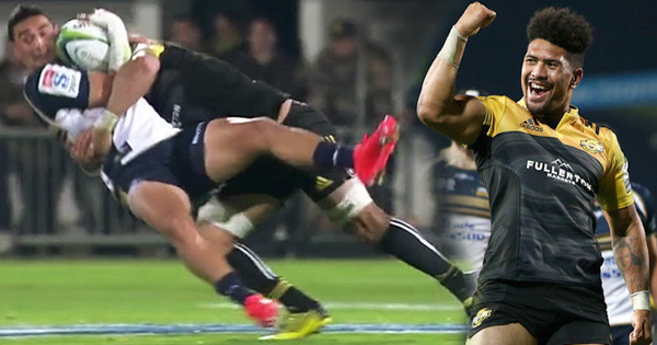 Ardie Savea puts in massive hit against the Brumbies