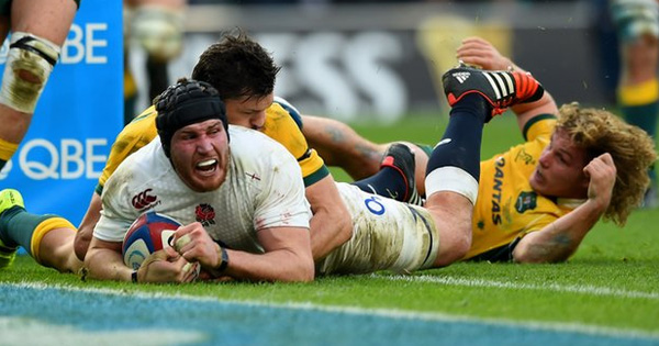 Looking back at the last three matches between Australia and England