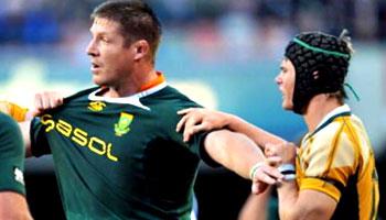 Bakkies Botha big hit on Berrick Barnes at Newlands