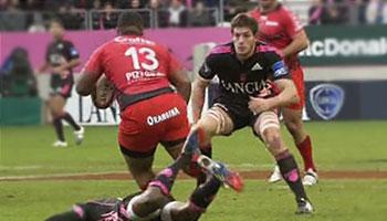 Mathieu Bastareaud charges through lock Alexandre Flanquart