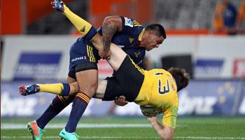 Malakai Fekitoa smashes Conrad Smith with huge tackle