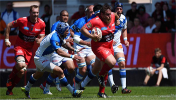 Toulon's Xavier Chiocci scores a great prop try against Castres in the Top 14