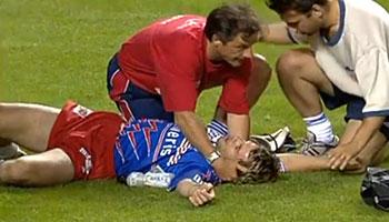 Christian Labit's brutal high tackle on Christophe Dominici