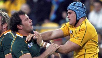 James Horwill & Bismarck Du Plessis slaps
