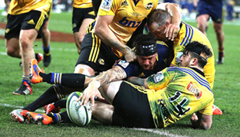 Dixon try proves crucial as Highlanders beat Hurricanes to Super Rugby title