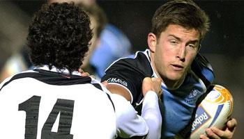 DTH van der Merwe beats defender, pulls hamstring, sets up try