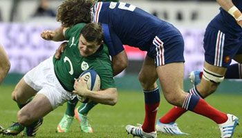 Ireland win 2014 Six Nations after late France forward pass