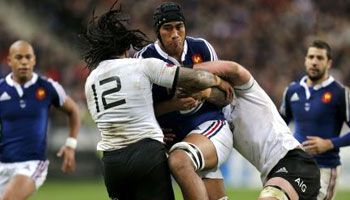 New Zealand hold off late charge by spirited France side