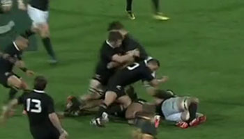 Discussion on Francois Louw injury from Richie McCaw cleanout