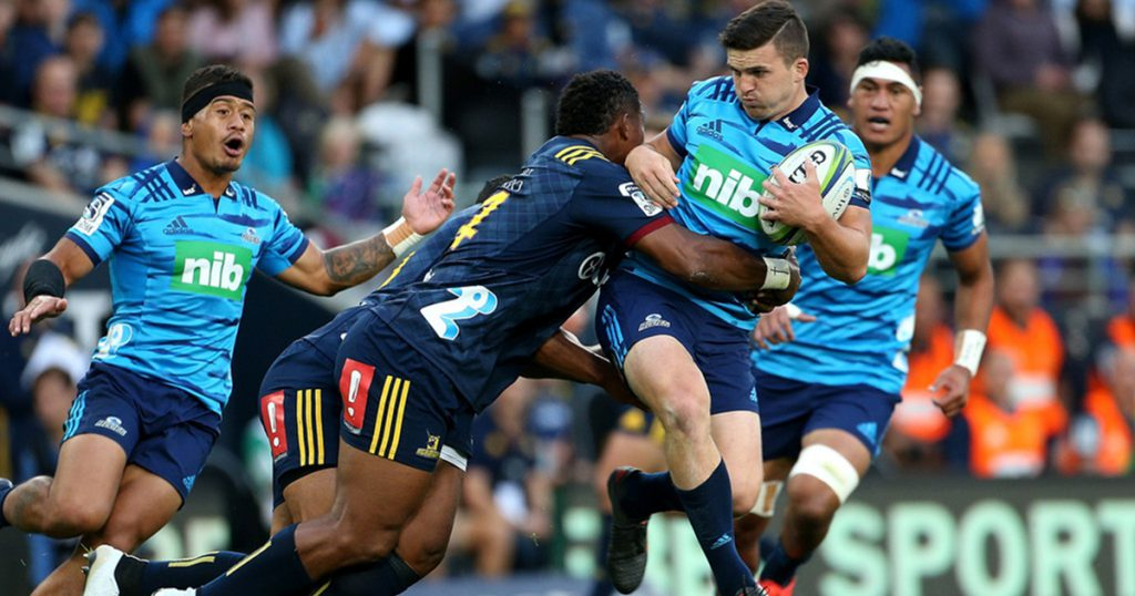 Plenty of tries on show as Highlanders edge out Blues in Super Rugby thriller