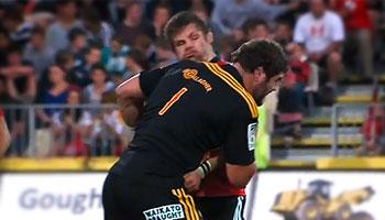 Jamie Mackintosh off the ball shoulder shot on Richie McCaw