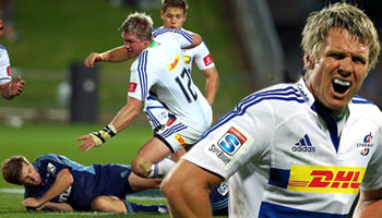 Stormers captain Jean De Villiers smashes Chris Noakes out of the way