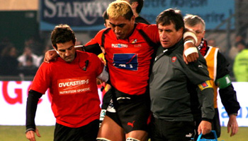 Jerry Collins injured by awkward looking tackle