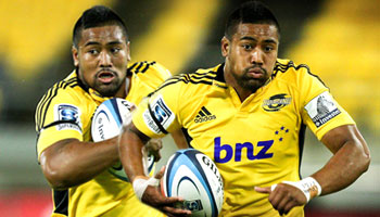 Julian Savea's incredible full speed pick-up and try vs the Waratahs