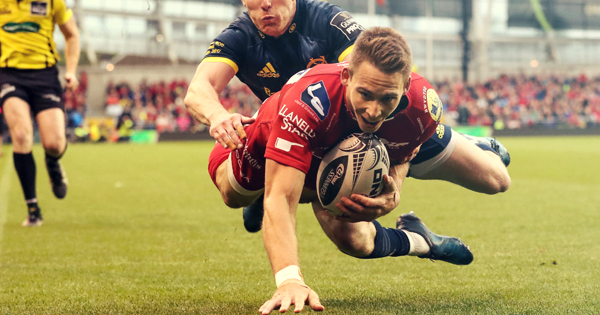 Scarlets run Munster ragged to claim Guiness PRO12 title