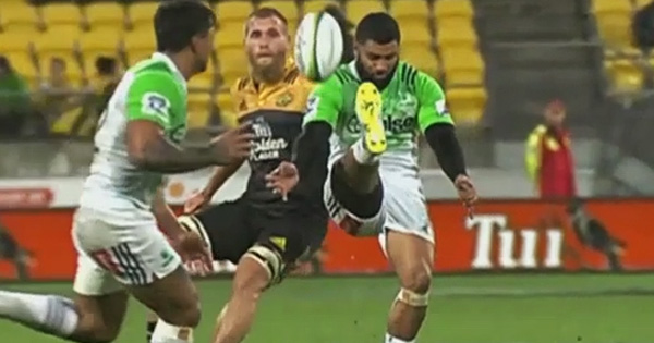 Lima Sopoaga's sensational reverse kick that almost led to a try