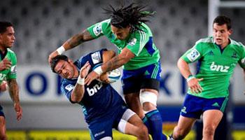 Ma'a Nonu puts the shoulder into former team mate Piri Weepu