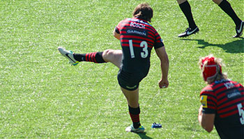 Marcelo Bosch takes over from Owen Farrell to land huge penalty kick