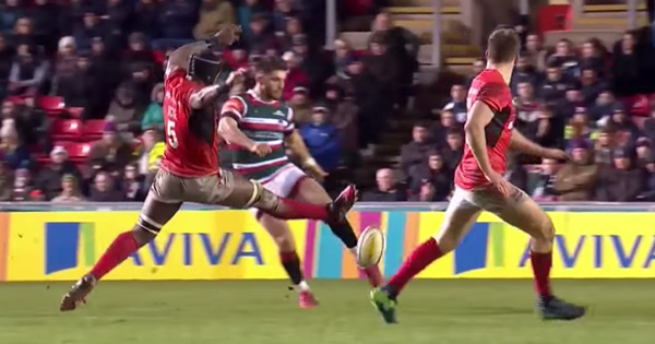 More Maro Itoje brilliance on display as he blocks a kick with his foot