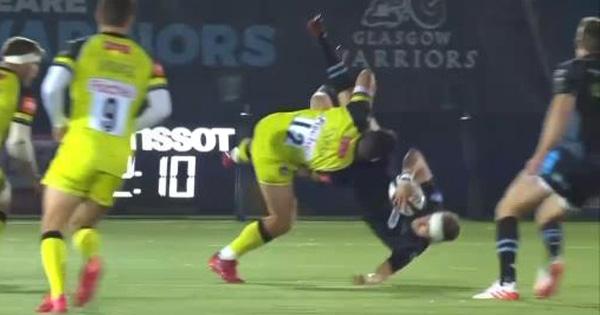 Matt Toomua escapes red card decision after dumping Finn Russell