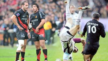 Frederic Michalak crazy spear tackle in the Top 14