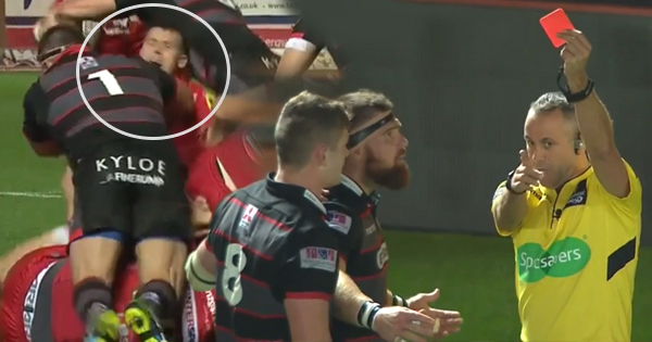 Michele Rizzo facing ban after this shoulder to Gareth Davies' face