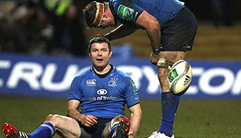 Brian O'Driscoll's pass through the legs sets up Luke Fitzgerald try