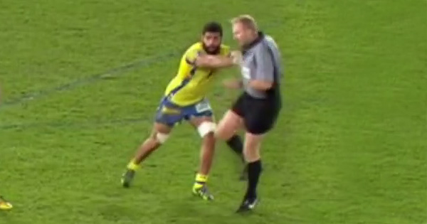 Clermont flanker Viktor Kolelishvili shoves referee Wayne Barnes