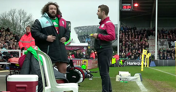 Life on the touchline: Harlequins mic up Team Manager