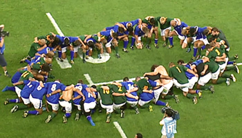 Throwback Thursday - South Africa and Samoa show respect post match in 2003