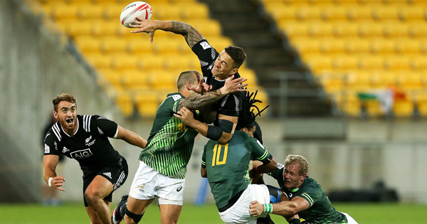 Sonny Bill Williams begins 7s career with brilliant offload to beat South Africa in pool stages