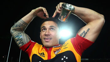 Sonny Bill Williams shoulder on Pat Lambie in Super Rugby Final