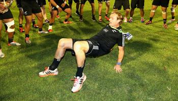 Midweek Madness - NZ U20 coach Scott Robertson's break dance celebration