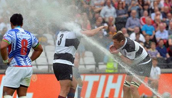 Midweek Madness - Sprinklers interupt Barbarians vs Samoa match in London