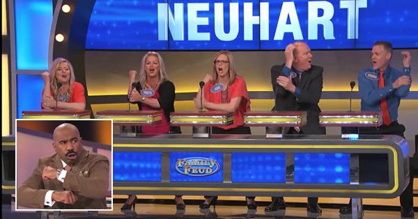 American TV Show contestants do a Haka for Steve Harvey