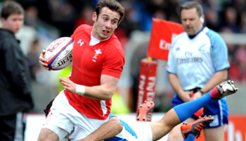 Tom Grabham's incredible foot control at the Glasgow Sevens