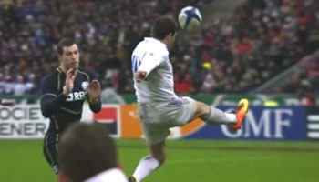 Vincent Clerc's incredible volley almost leads to try