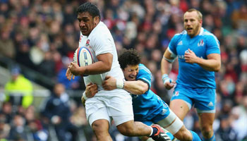 England hang on for win over Italy and Grand Slam opportunity