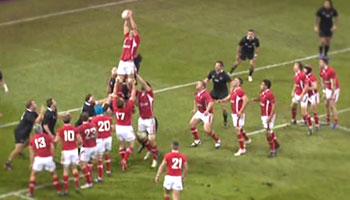 Wales score bizarre try with thirteen man lineout against the All Blacks