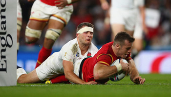 Wales come from behind to beat hosts England at Twickenham