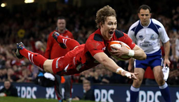 Wales achieve biggest ever win over 14-man Scotland in Cardiff