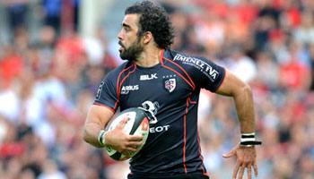 Yoann Huget finishes great Toulouse team try against Brive